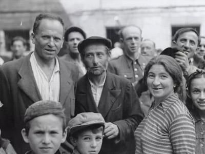 John Vachon: Post-World War II Poland